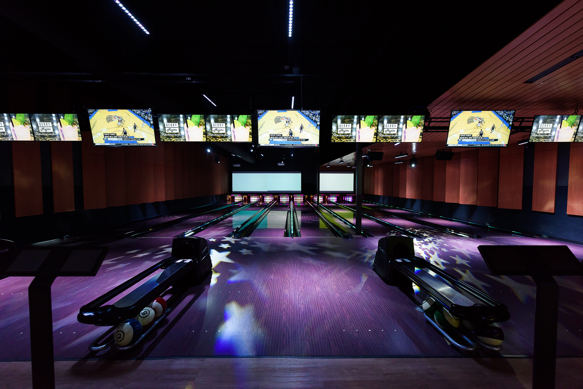 Austin-Commercial-Photographer-Architectural-Interior-Bowling-Alley