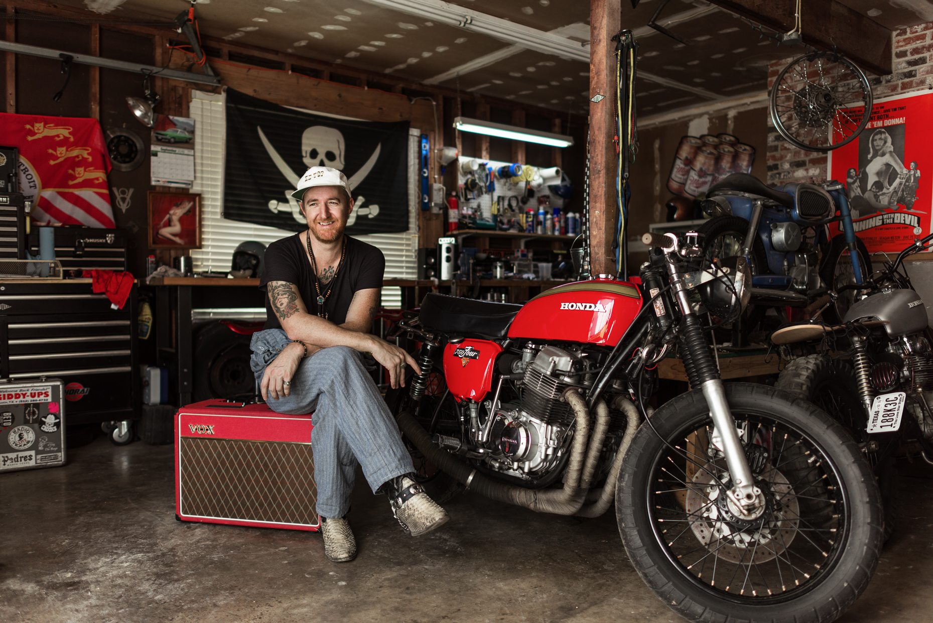 Austin-Commercial-Editorial-Photographer-Jonathan-Terrell-Honda-750-Four-Motorcycle