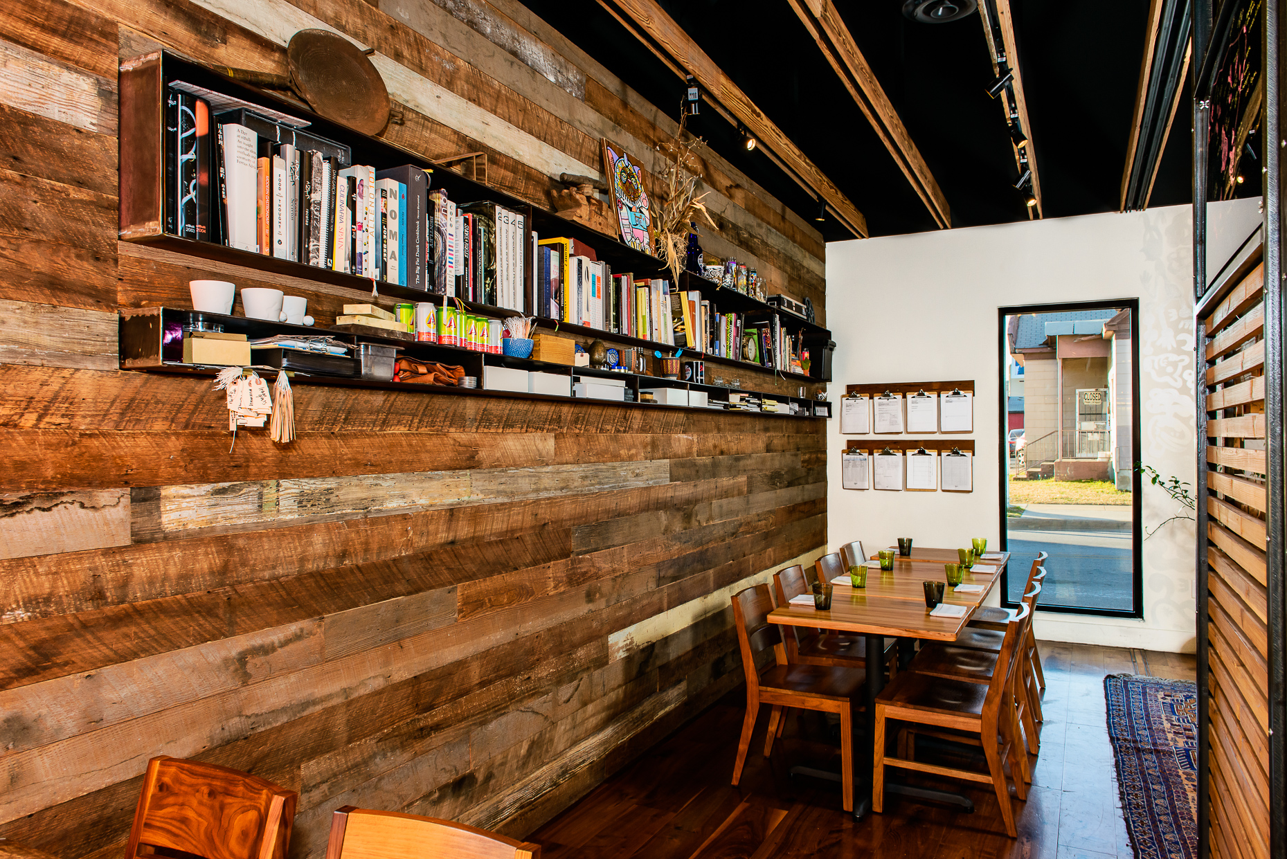 Austin-Commercial-Photographer-Architectural-Interior-Design-Qui-Restaurant-Texas