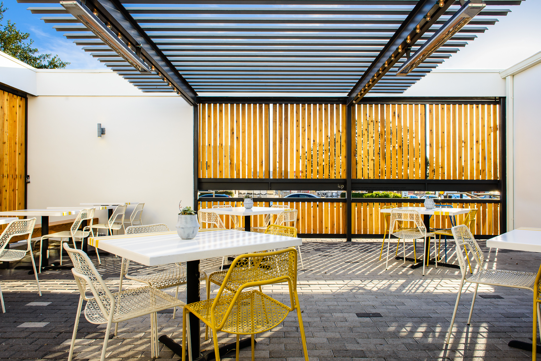 Austin-Commercial-Photographers-Architectural-Interior-Design-Qui-Restaurant-Patio