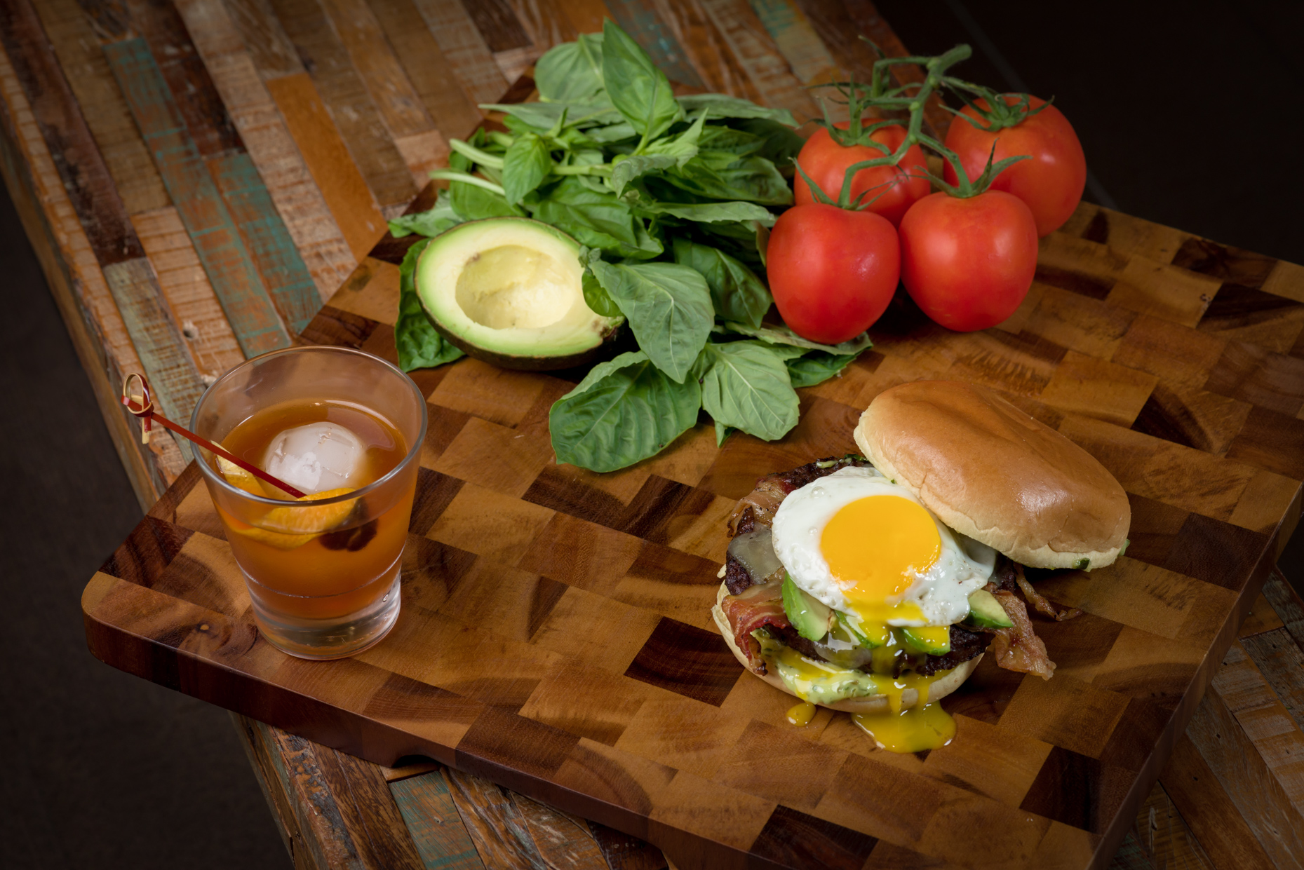 Austin-Commercial-Photographers-Food-Texas-Moviehouse-Eatery-Old-Fashioned-Farmhouse-Burger-Fried-Egg