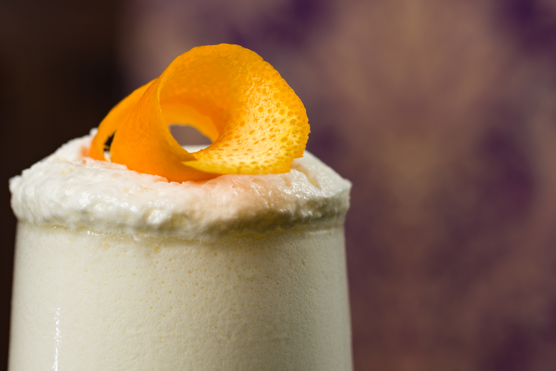 Austin-Food-Photographers-Lasalle-Hotel-Downtown-Elixir-Spirits-Pina-Colada-Bar-Orange-peel