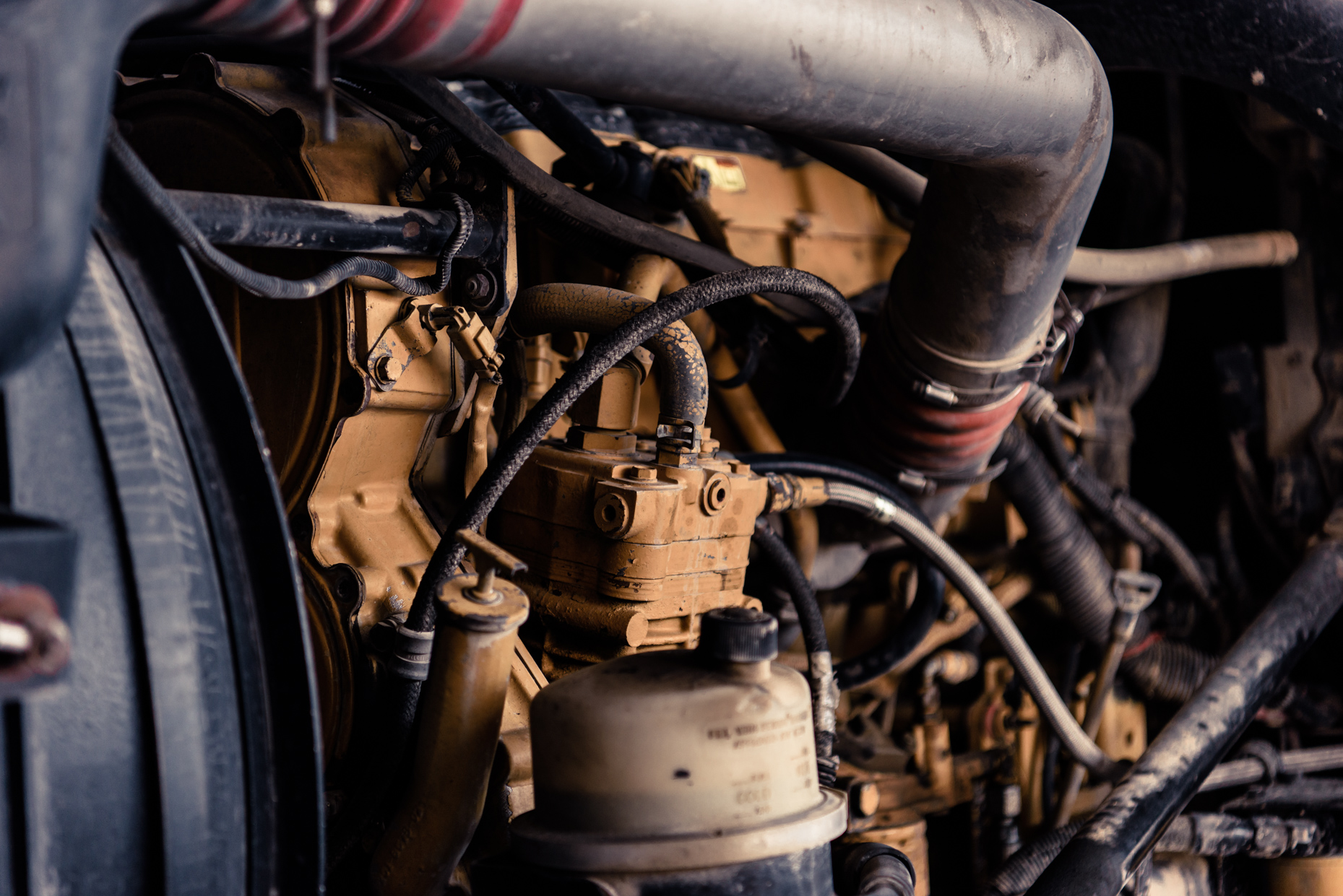 Industrial-Photographers-Austin-Texas-Trocas-Channel-Discovery-Espanol-Diesel-Engine.