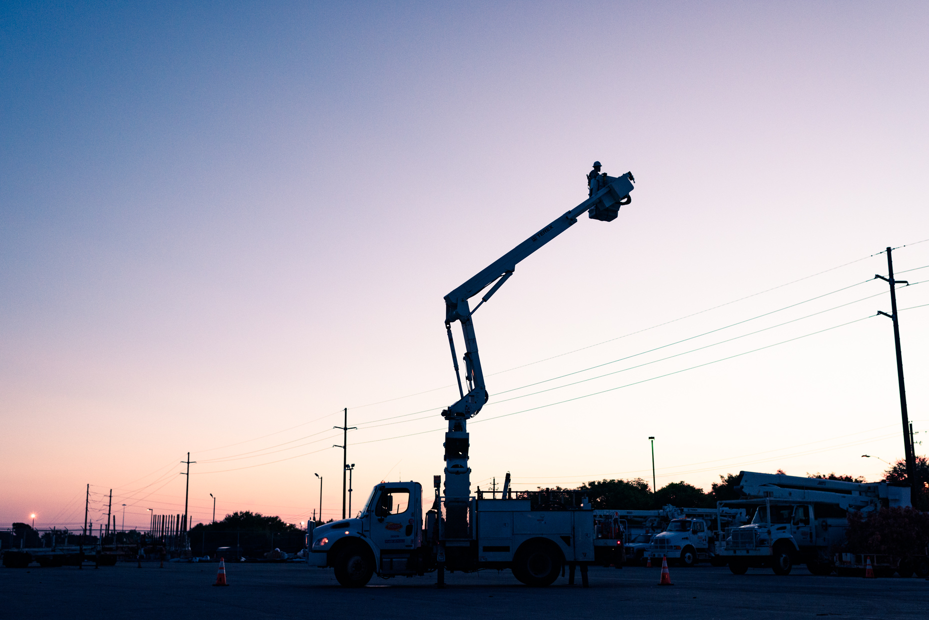 Texas-Commercial-Industrial-photographers-Austin-Energy-crane-dawn-sunrise-truck